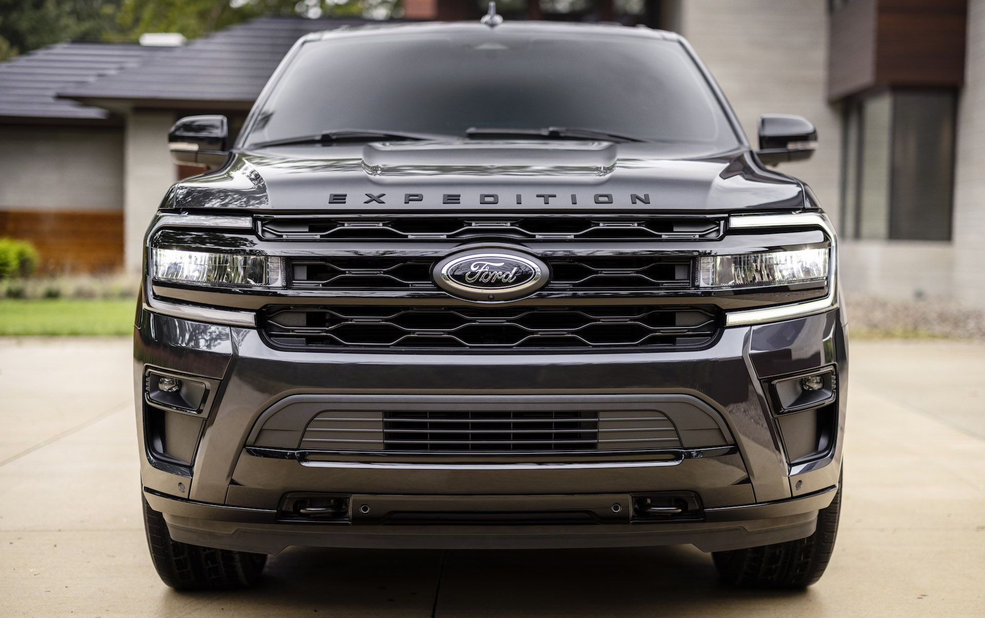 2022-Ford-Expedition-Stealth-00019-1