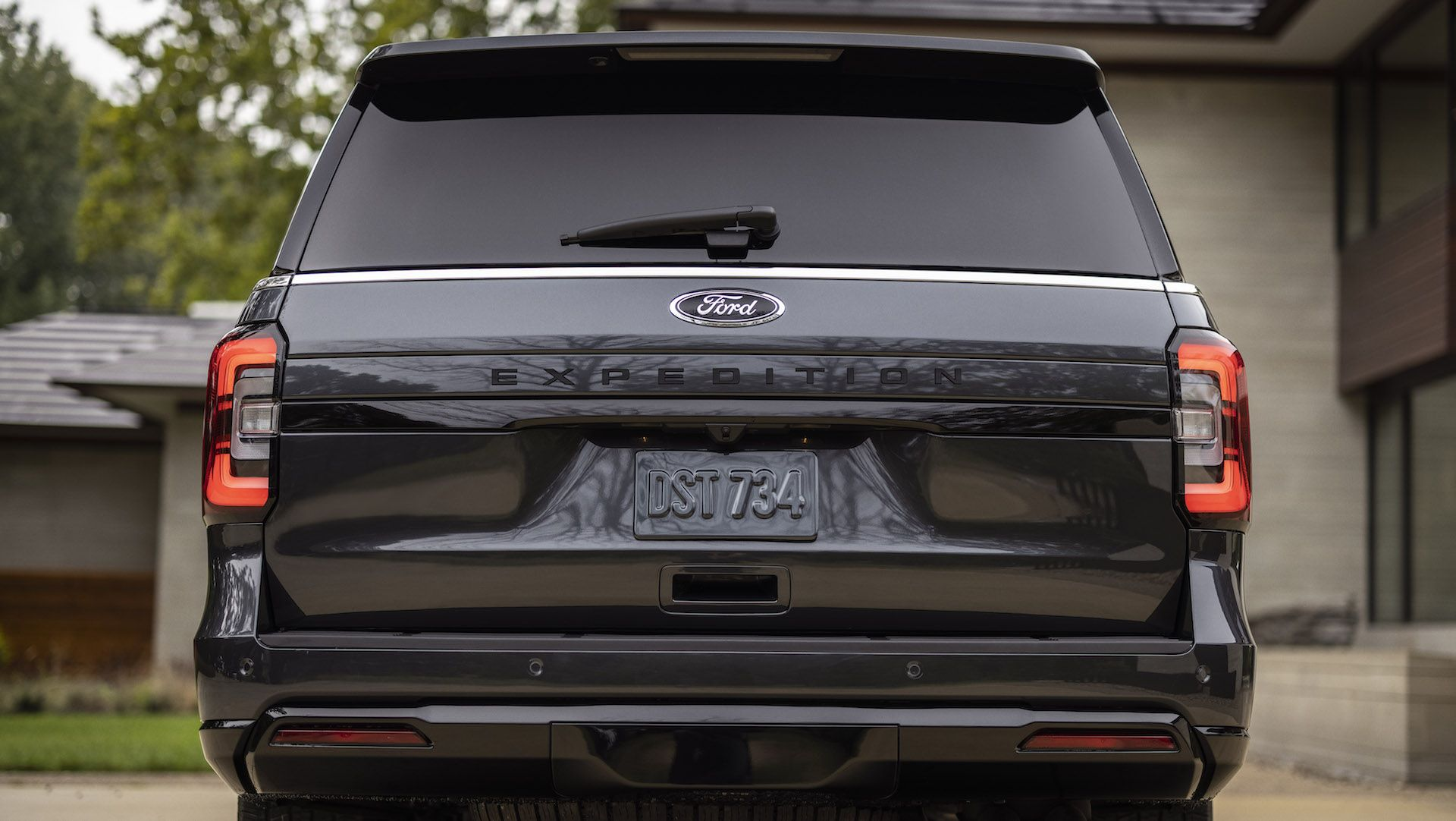 2022-Ford-Expedition-Stealth-00020-1