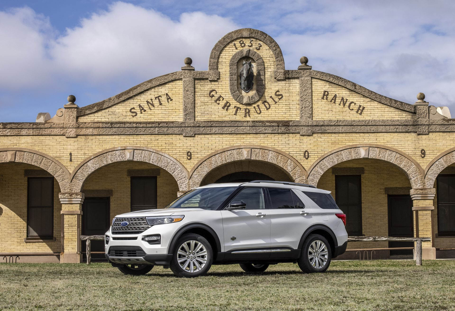 2021 Ford Explorer King Ranch Edition