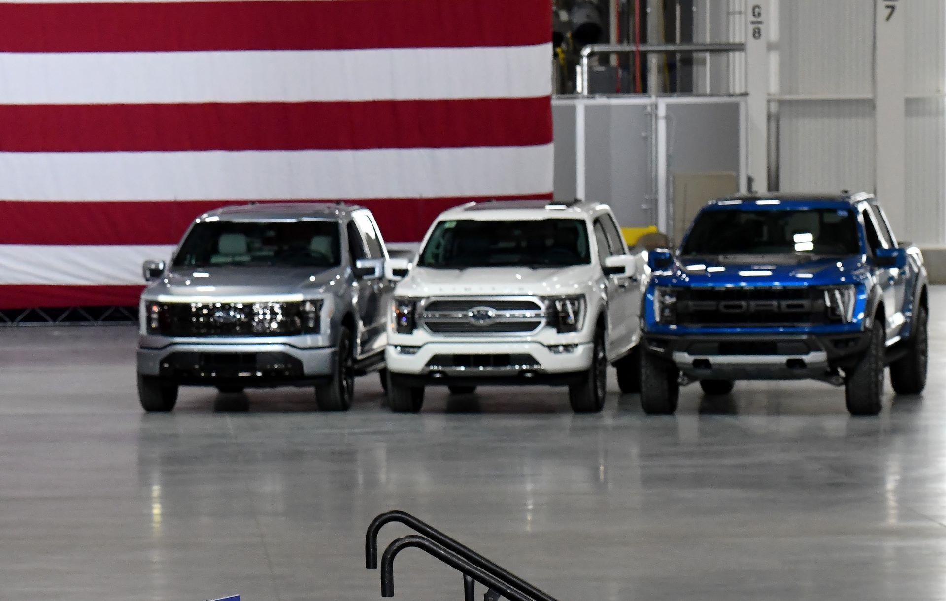 President Biden Visits Rouge Electric Vehicle Center