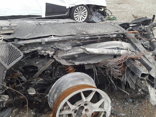 2005_Ford_GT_crashed_burned-0004