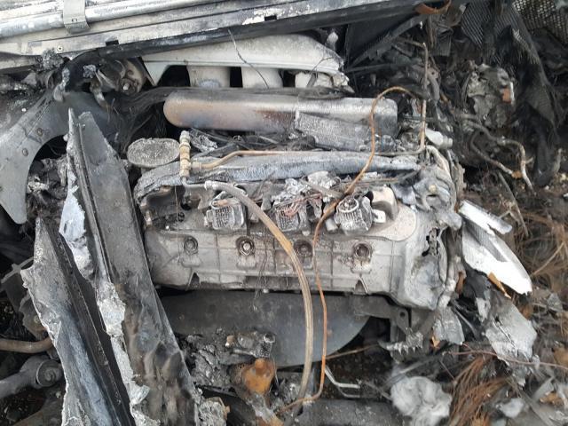 2005_Ford_GT_crashed_burned-0006