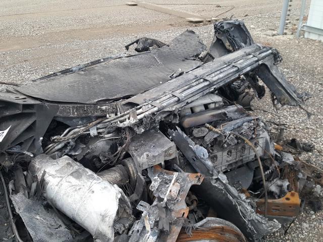 2005_Ford_GT_crashed_burned-0009