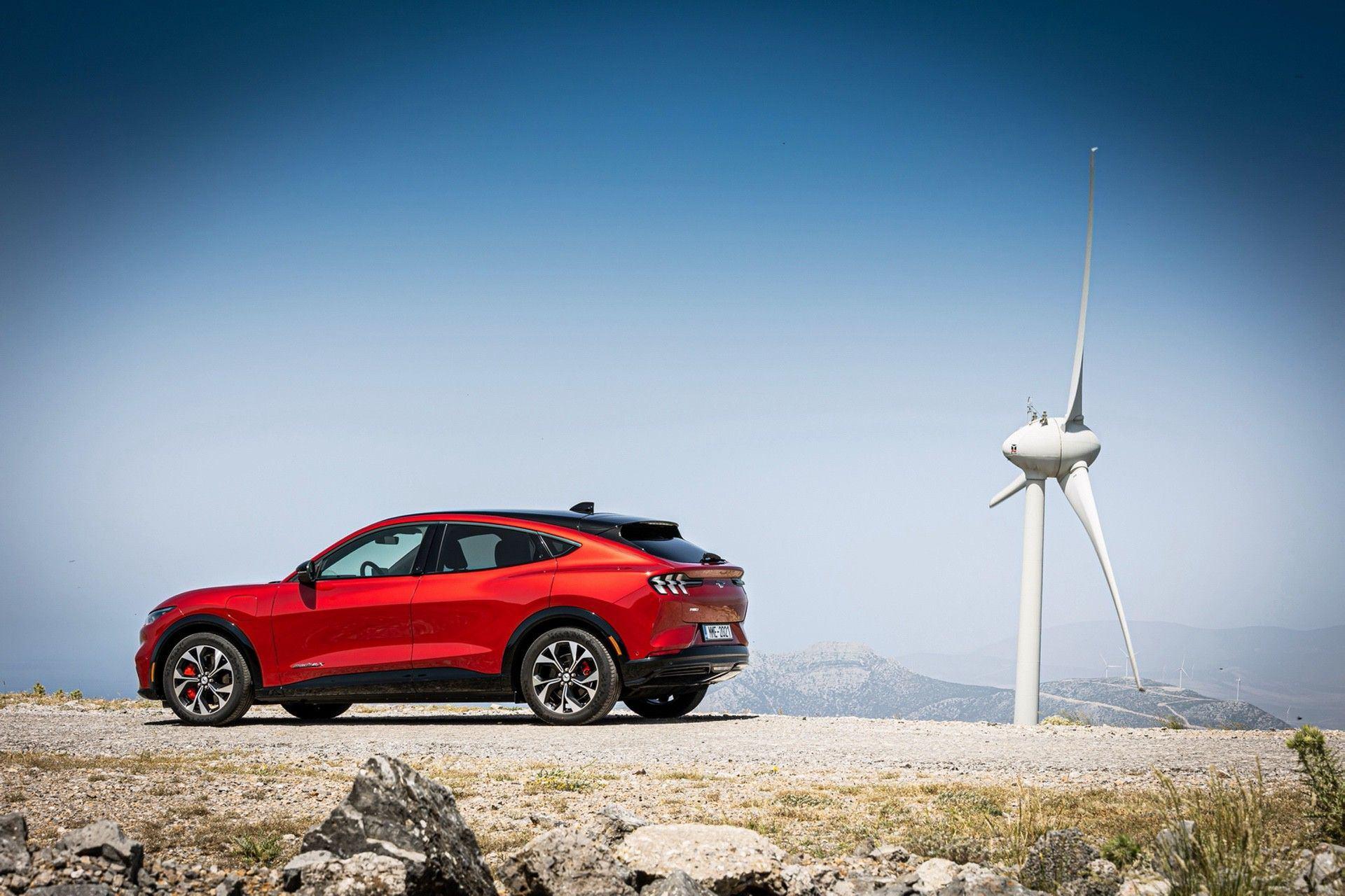 Ford_Mustang_Mach-E_greek_presskit-0014