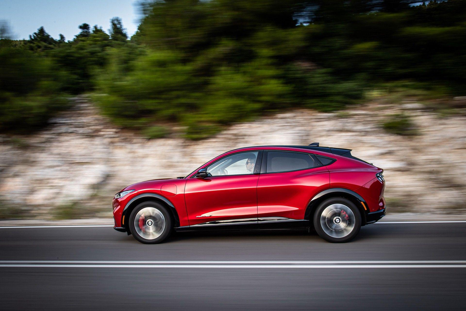 Ford_Mustang_Mach-E_greek_presskit-0101