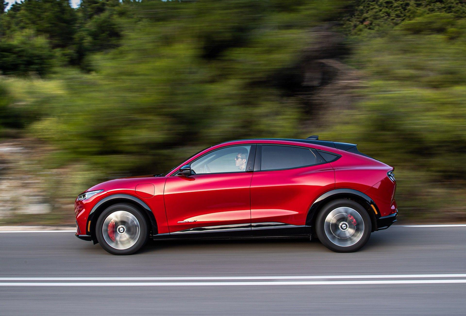 Ford_Mustang_Mach-E_greek_presskit-0118
