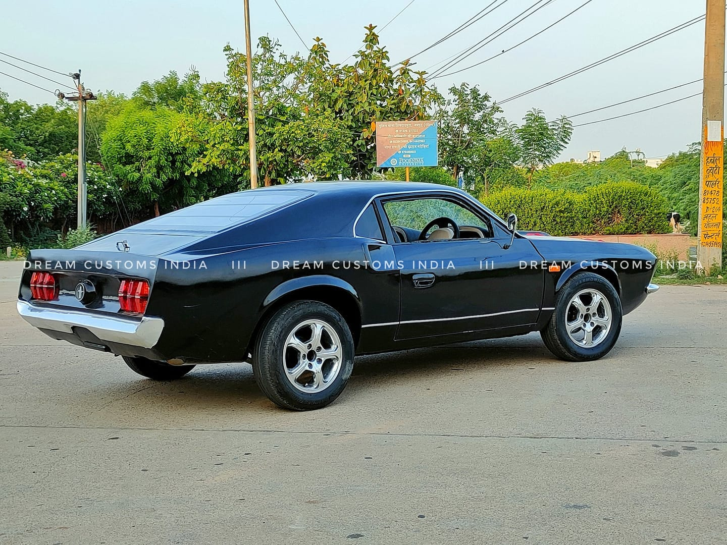 Ford-Mustang-replica-Hyundai-Accent-5