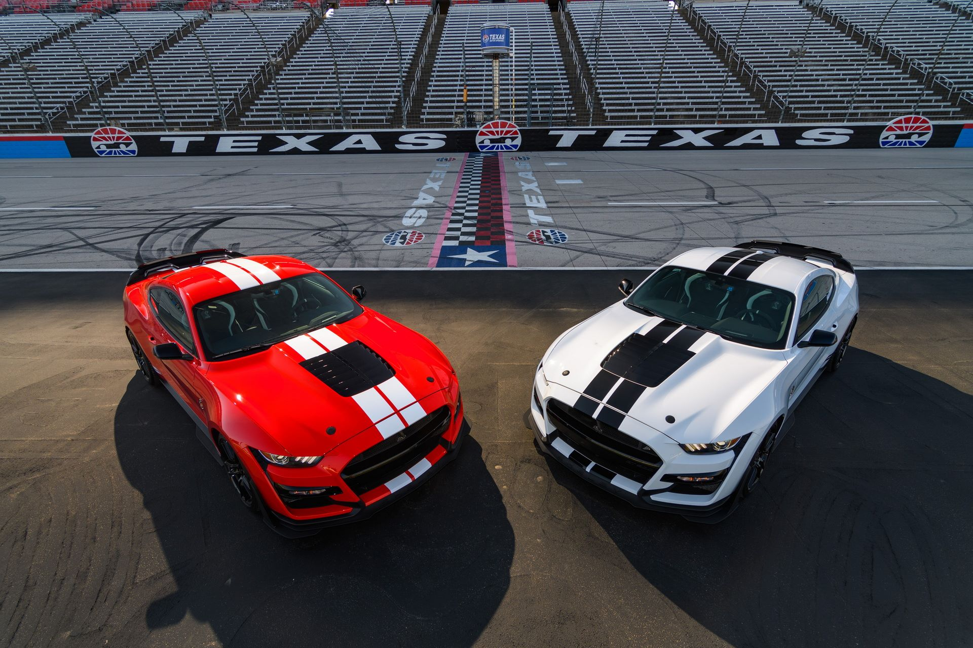 Ford-Mustang-Shelby-GT500-Performance-Parts-1