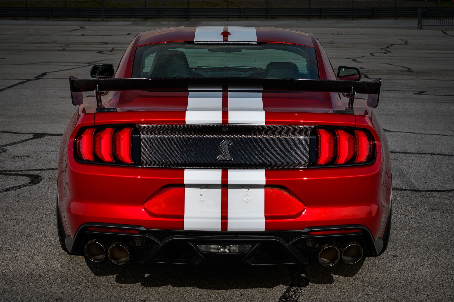 Ford-Mustang-Shelby-GT500-Performance-Parts-10