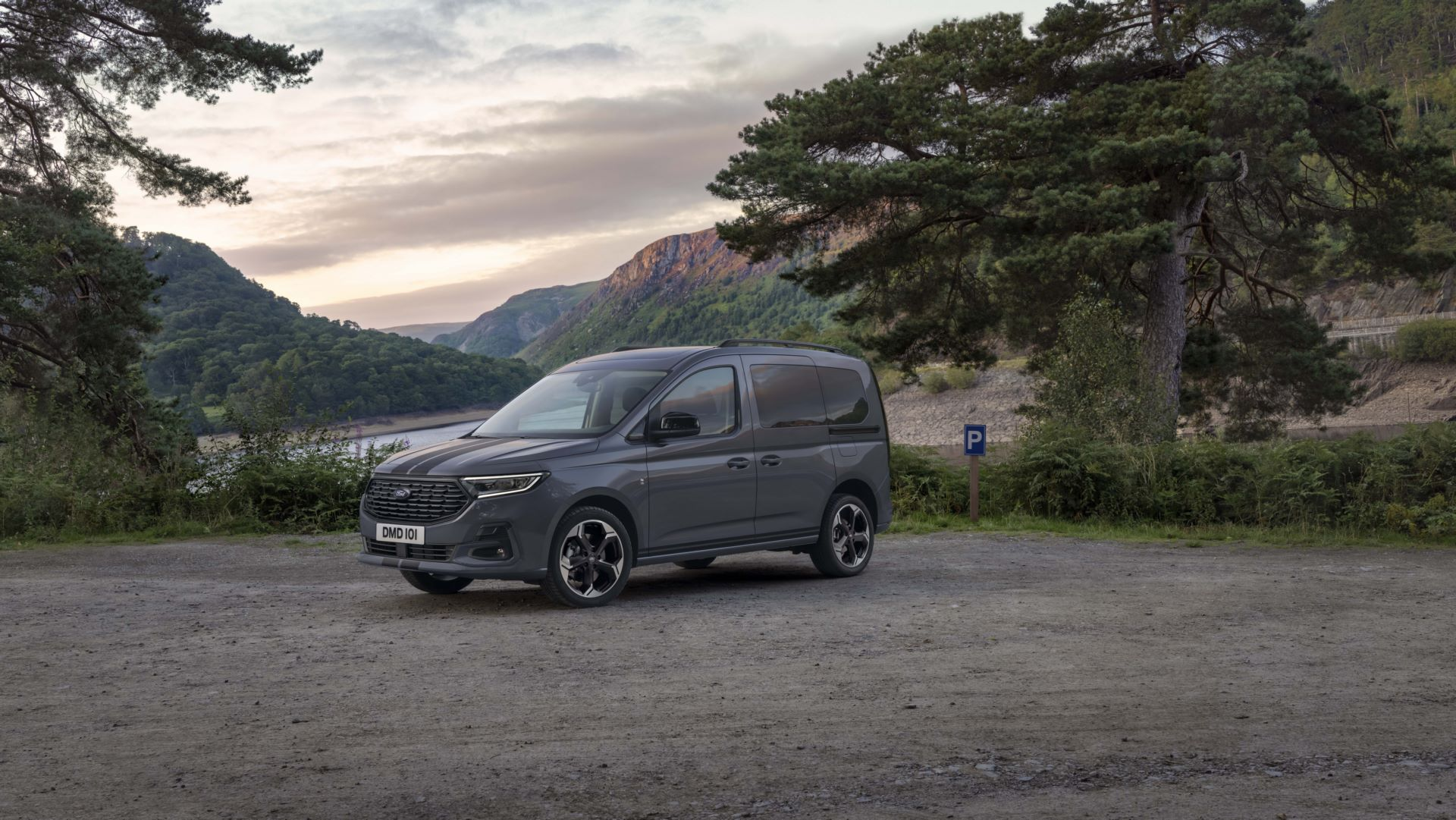 Ford-Tourneo-Connect-2021-13