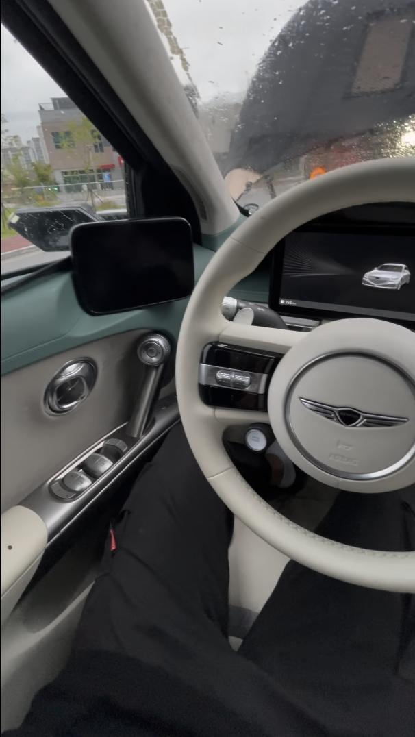 Genesis-GV60-Electric-interior-4