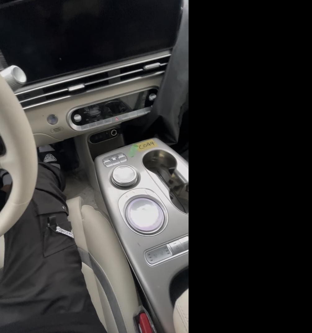 Genesis-GV60-Electric-interior-5