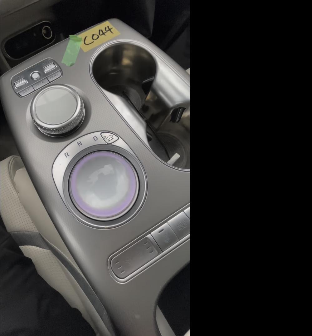 Genesis-GV60-Electric-interior-6