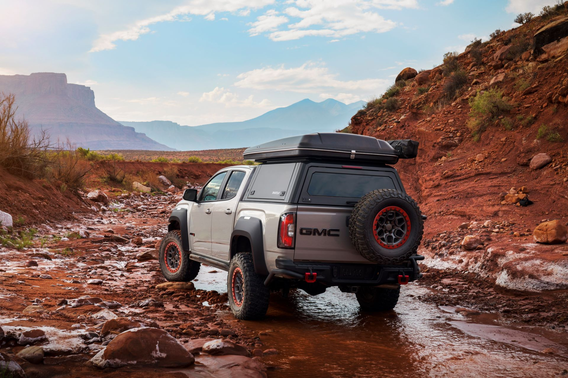 GMC-Canyon-AT4-OVRLANDX-Off-Road-Concept-3