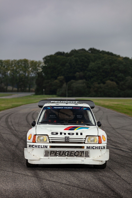 1985_Peugeot_205_Turbo_16_Evolution_2_sale-0017