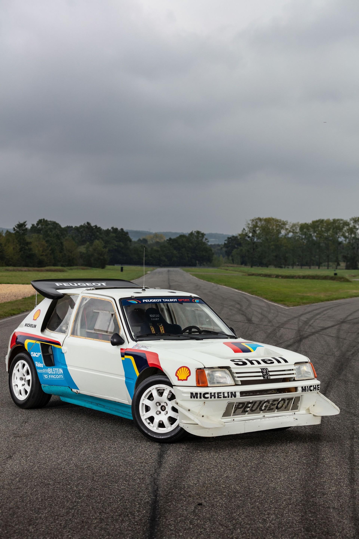 1985_Peugeot_205_Turbo_16_Evolution_2_sale-0018