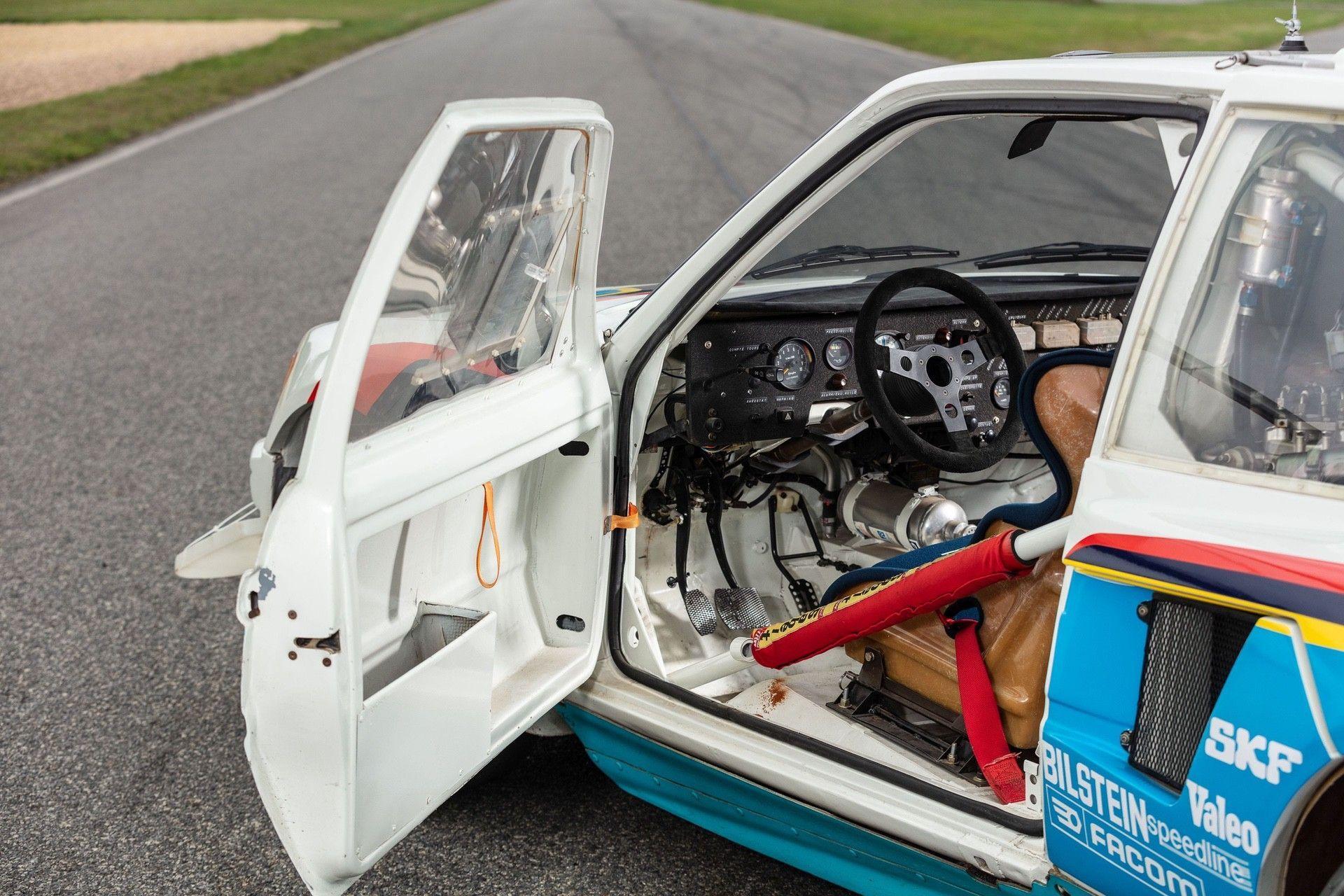 1985_Peugeot_205_Turbo_16_Evolution_2_sale-0019