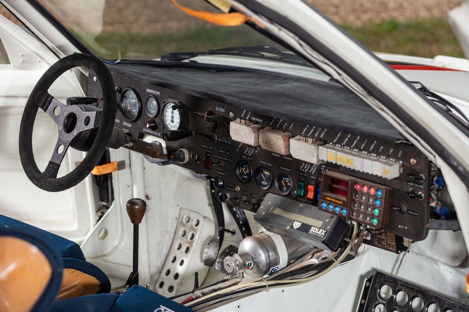 1985_Peugeot_205_Turbo_16_Evolution_2_sale-0021