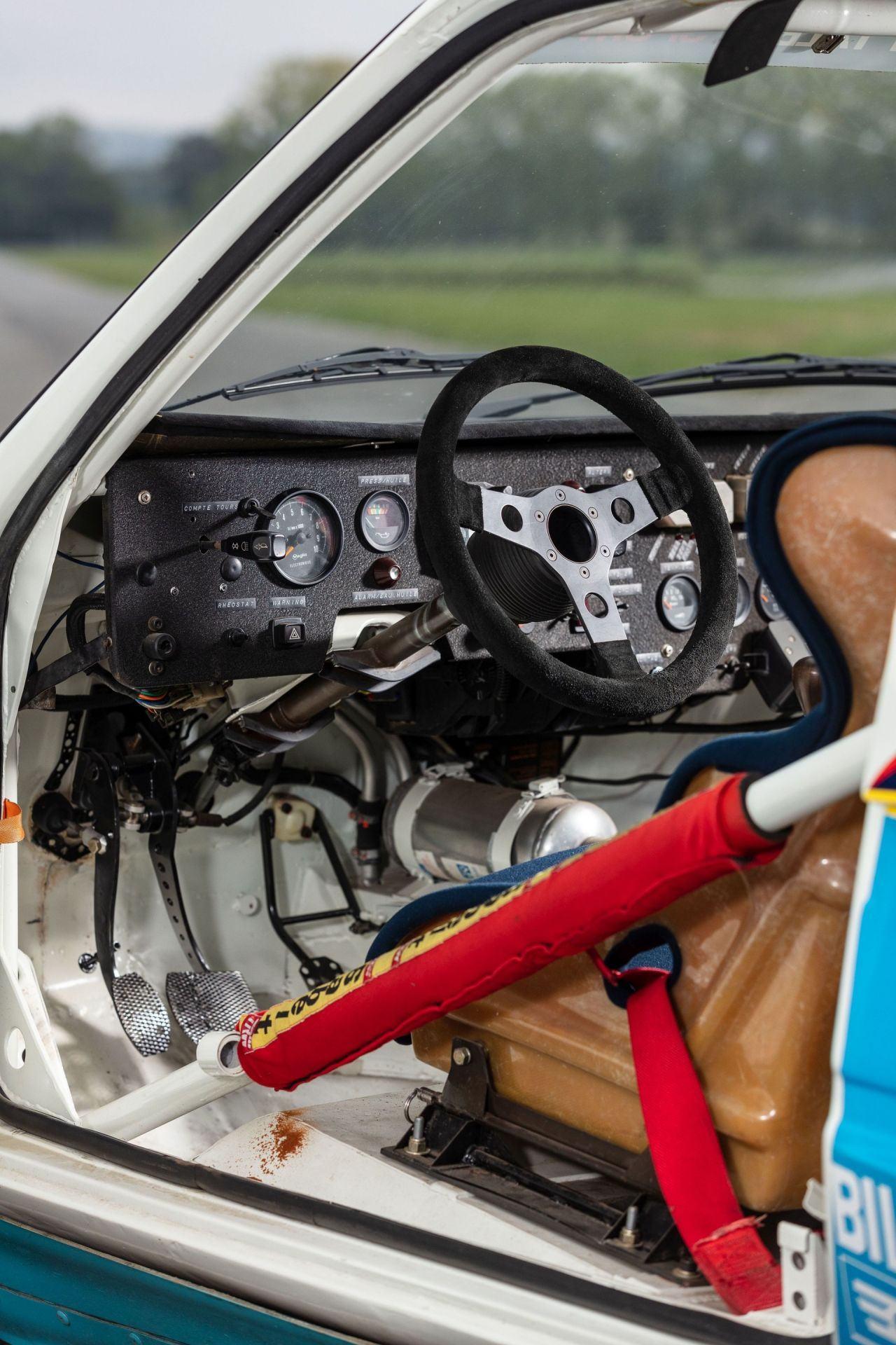 1985_Peugeot_205_Turbo_16_Evolution_2_sale-0023
