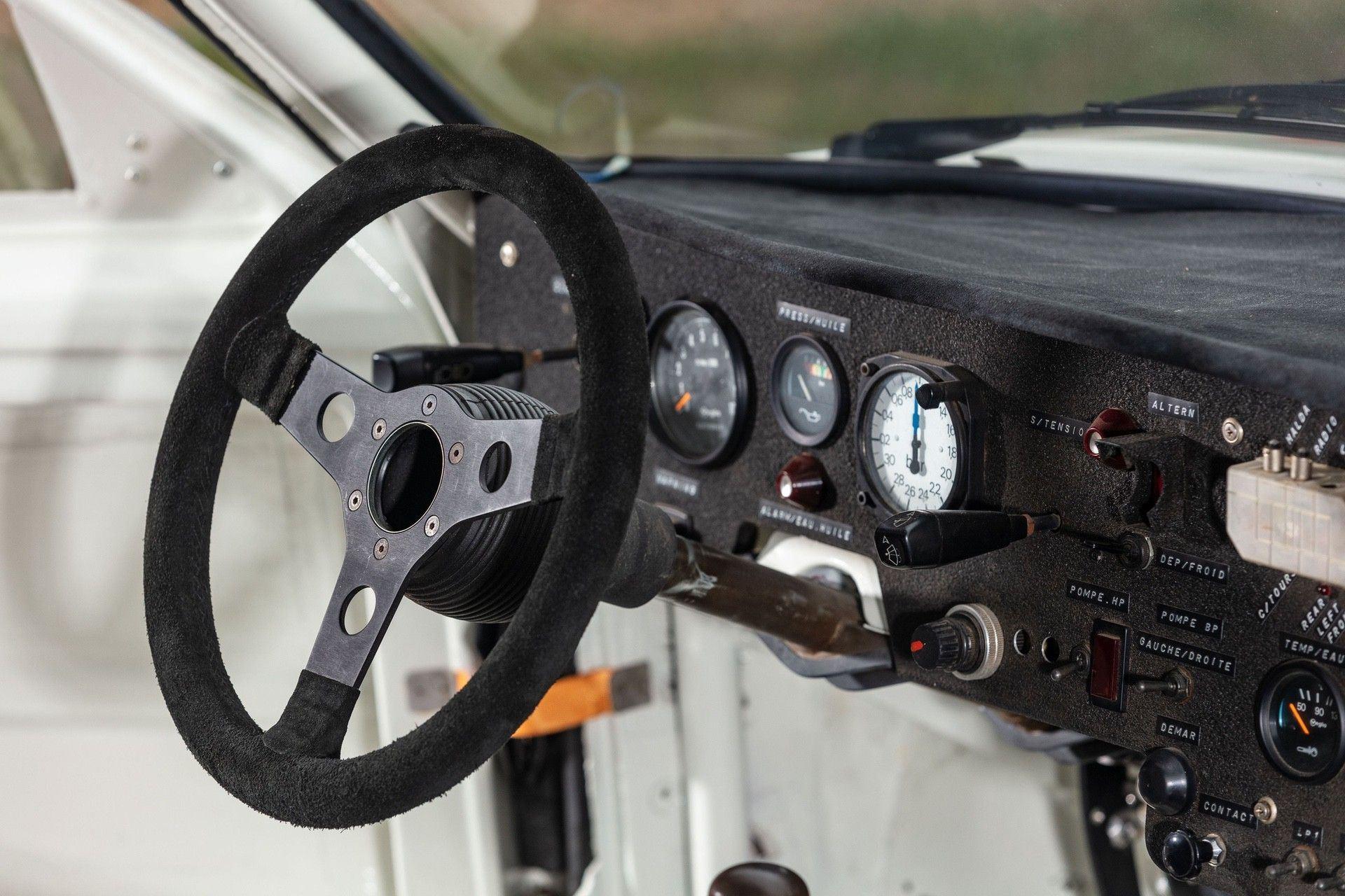 1985_Peugeot_205_Turbo_16_Evolution_2_sale-0025