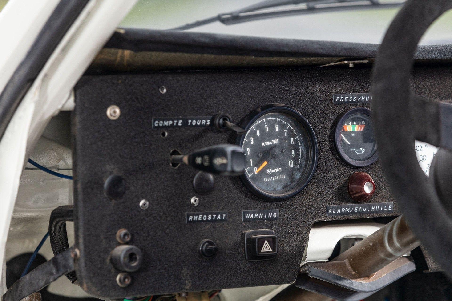 1985_Peugeot_205_Turbo_16_Evolution_2_sale-0026