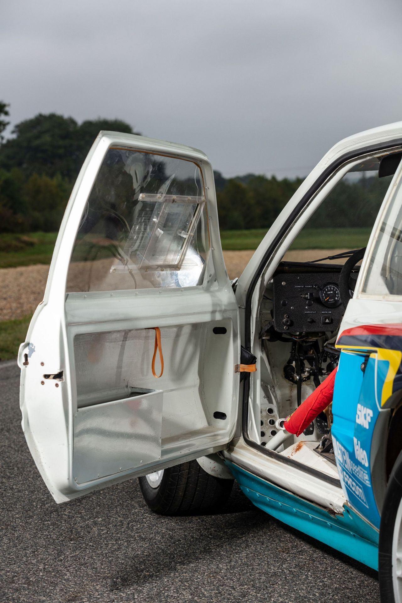 1985_Peugeot_205_Turbo_16_Evolution_2_sale-0030