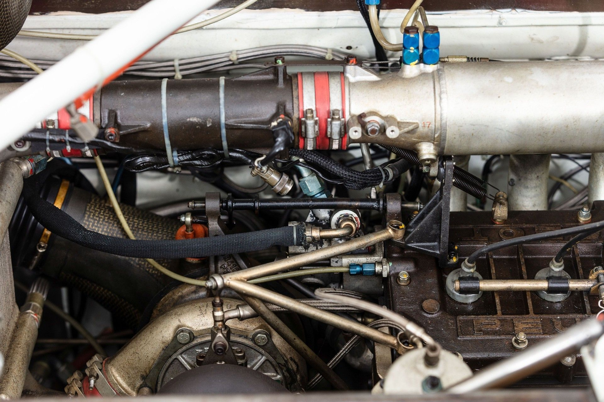 1985_Peugeot_205_Turbo_16_Evolution_2_sale-0035