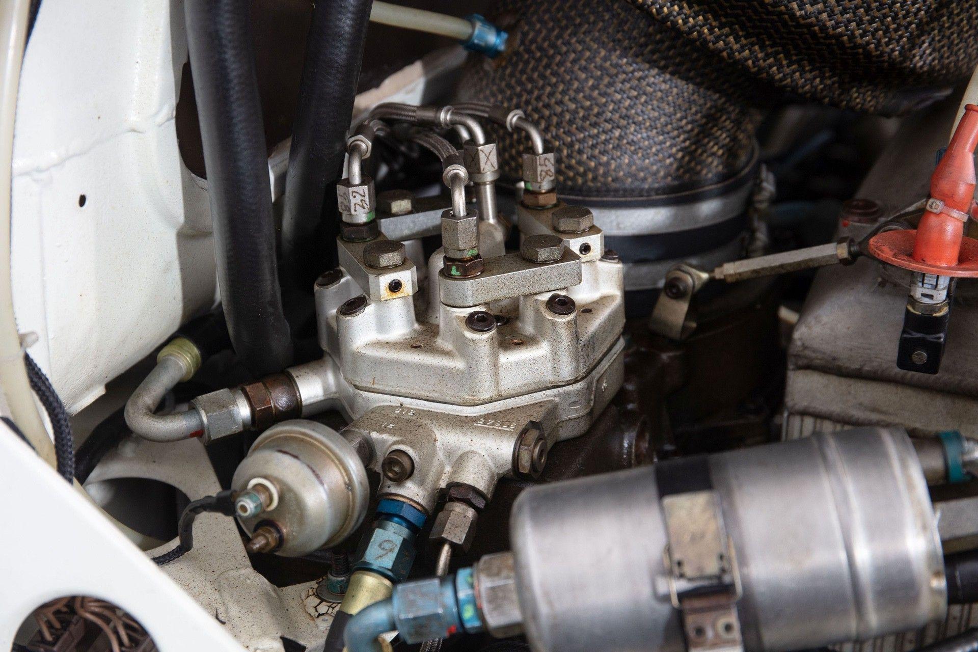 1985_Peugeot_205_Turbo_16_Evolution_2_sale-0040