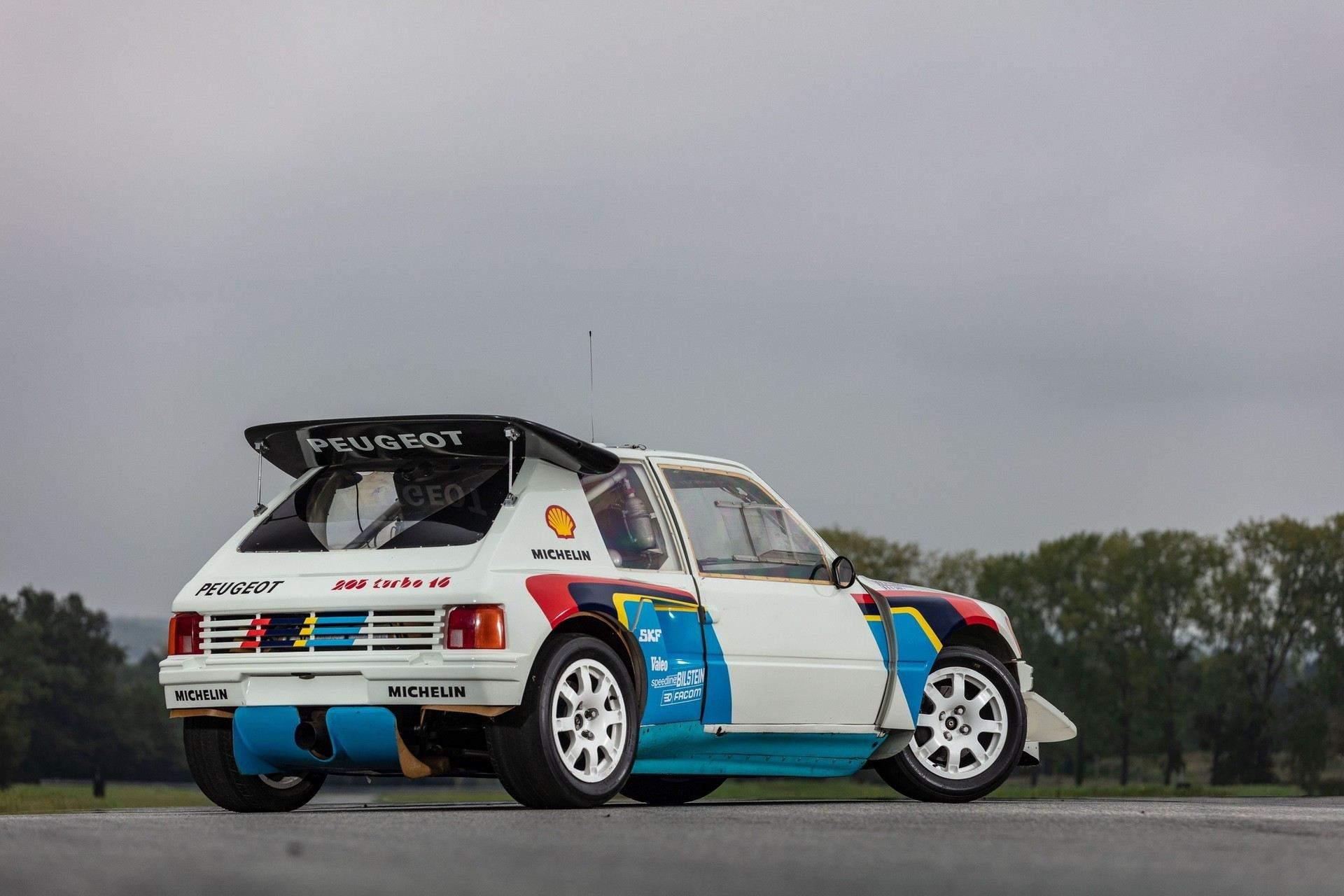 1985_Peugeot_205_Turbo_16_Evolution_2_sale-0049