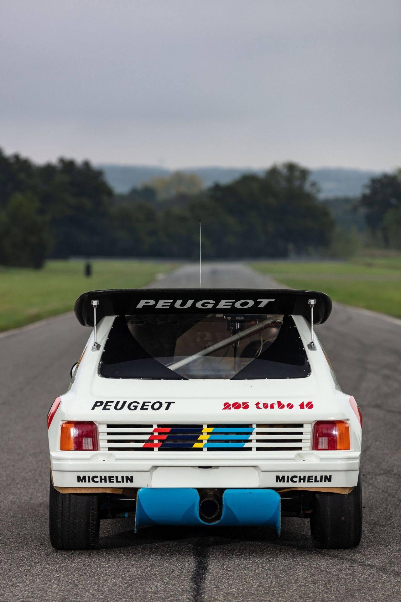 1985_Peugeot_205_Turbo_16_Evolution_2_sale-0050