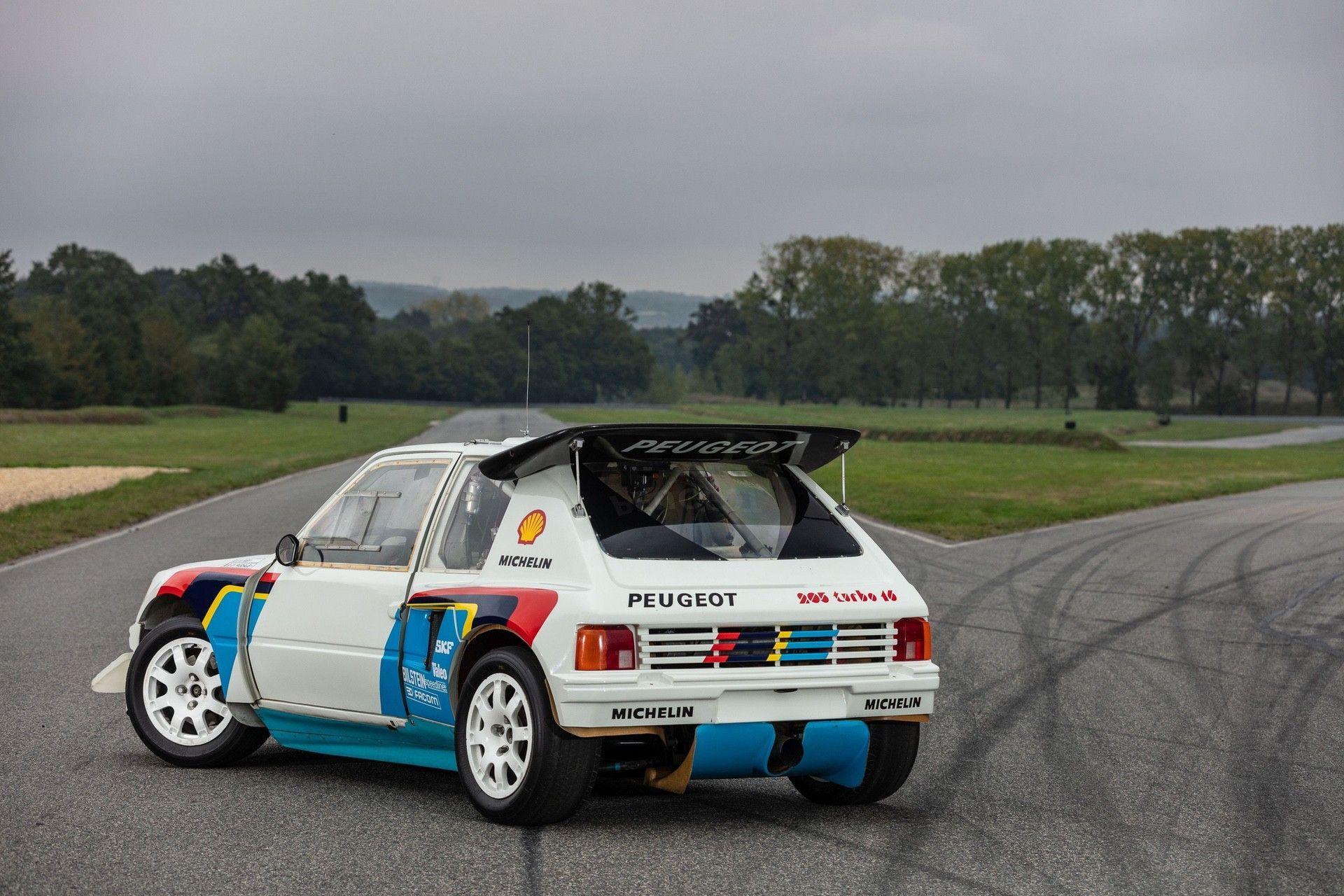 1985_Peugeot_205_Turbo_16_Evolution_2_sale-0052