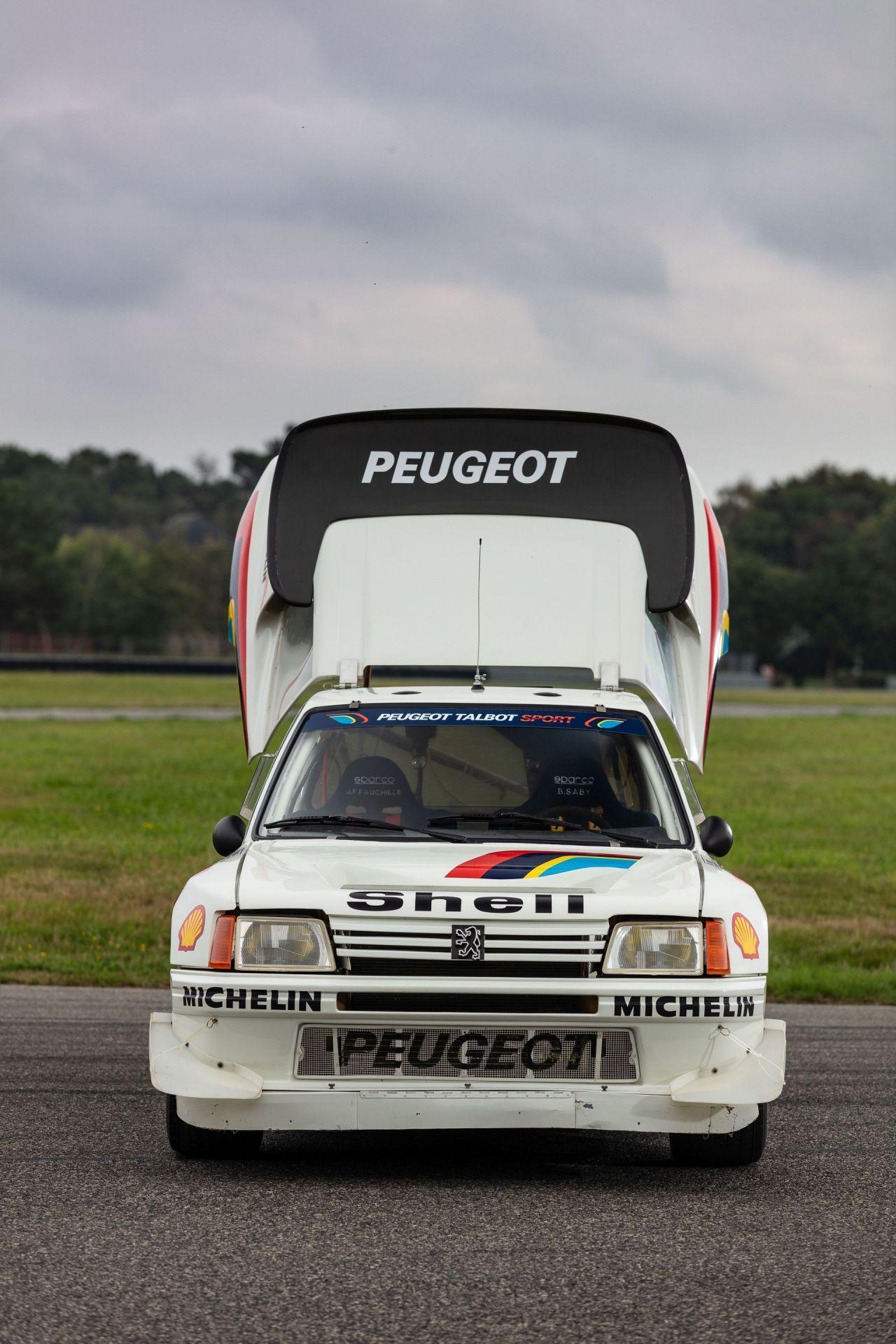 1985_Peugeot_205_Turbo_16_Evolution_2_sale-0053