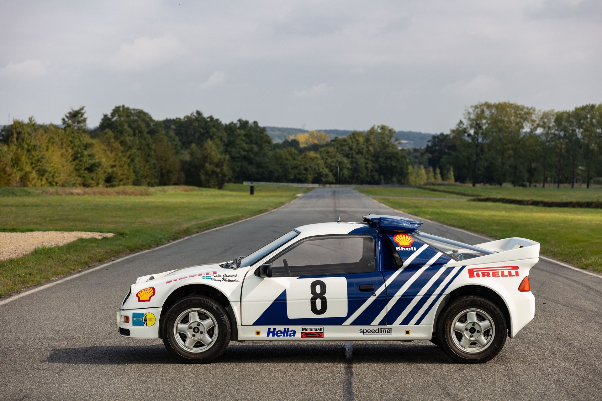 1986-Ford_RS200_sale-0003