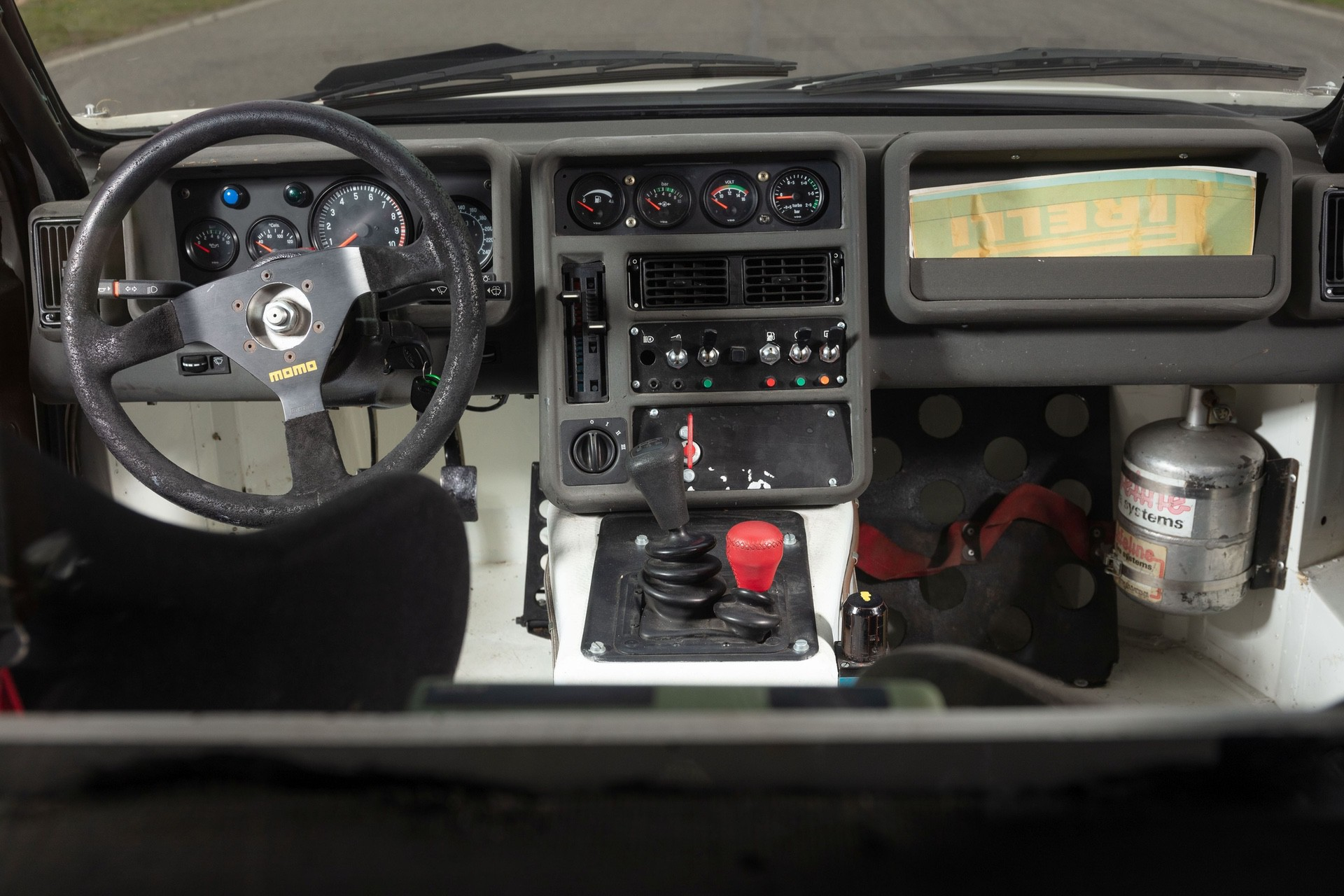 1986-Ford_RS200_sale-0016