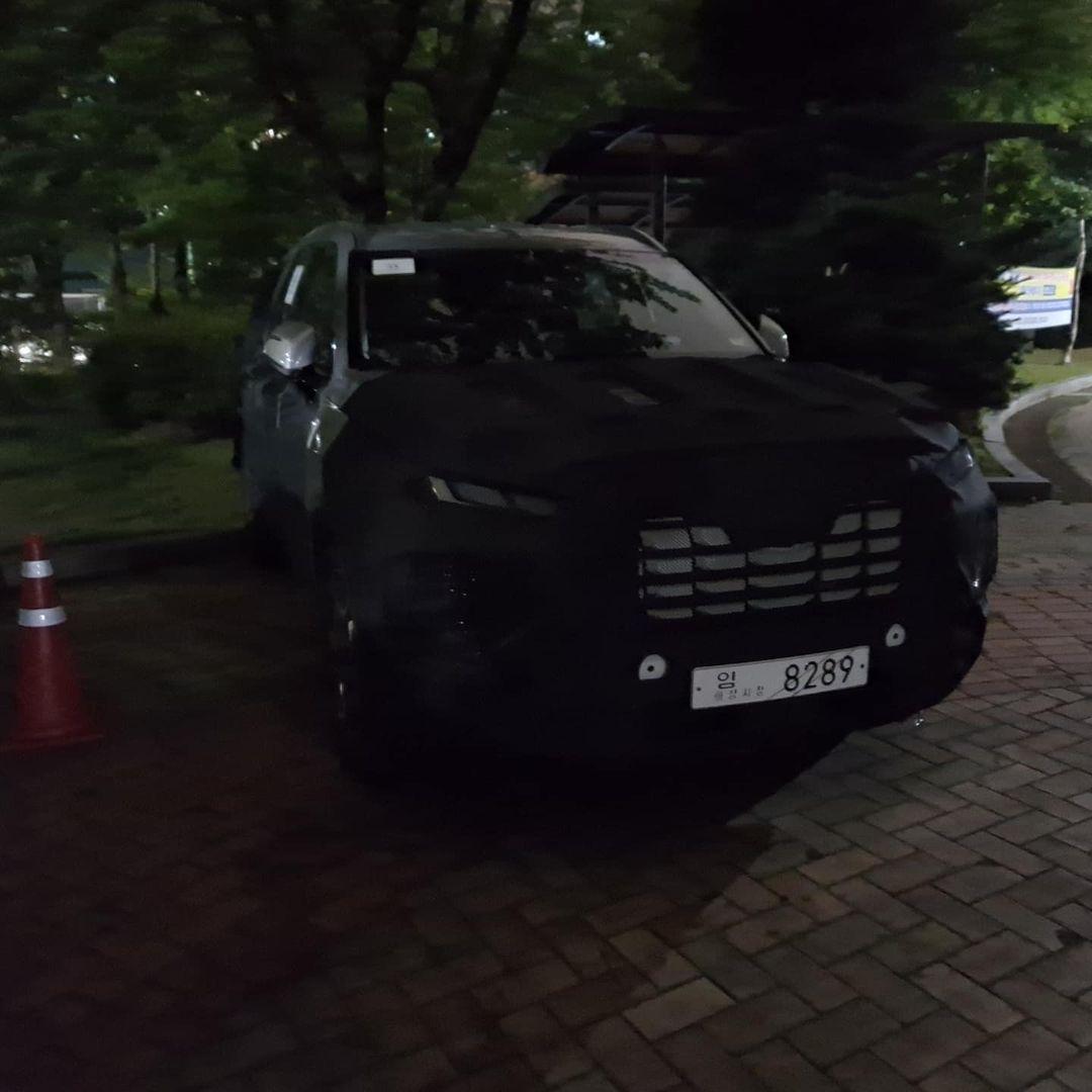 Hyundai-Palisade-facelift-spy-photos-1