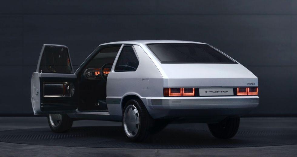 Hyundai-Pony-EV-Heritage-5
