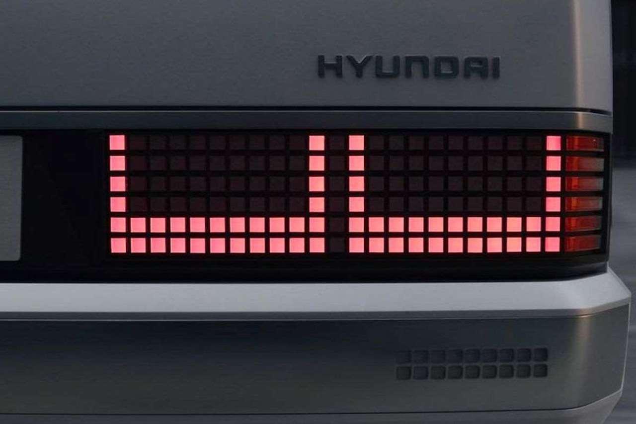 Hyundai-Pony-EV-Heritage-8
