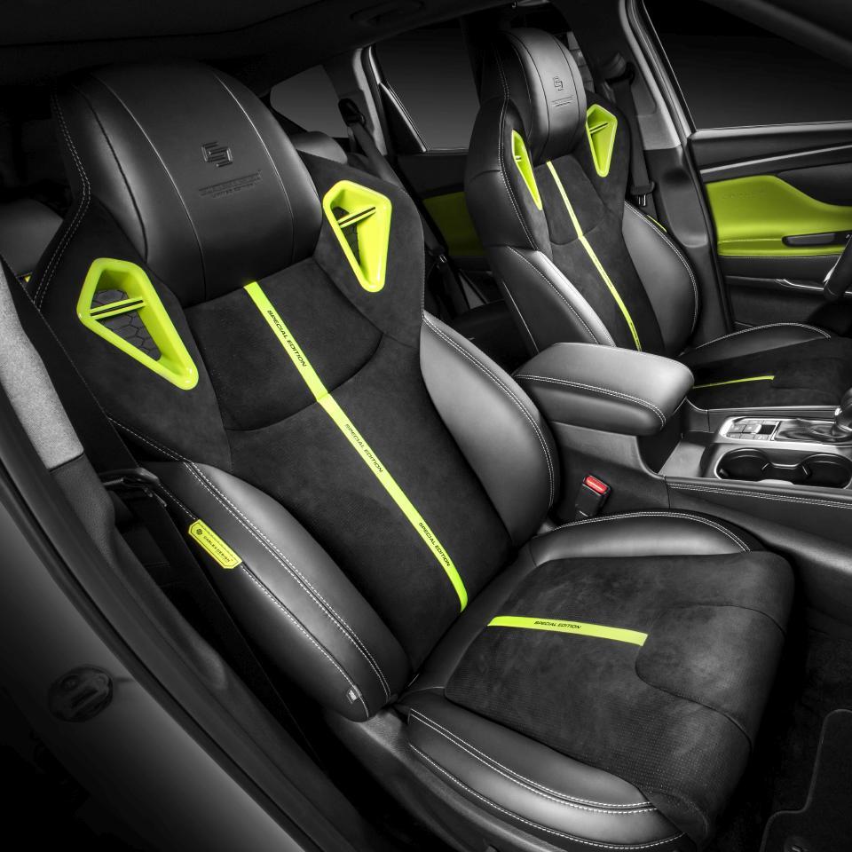 Hyundai-Santa-Fe-by-Carlex-Design-19