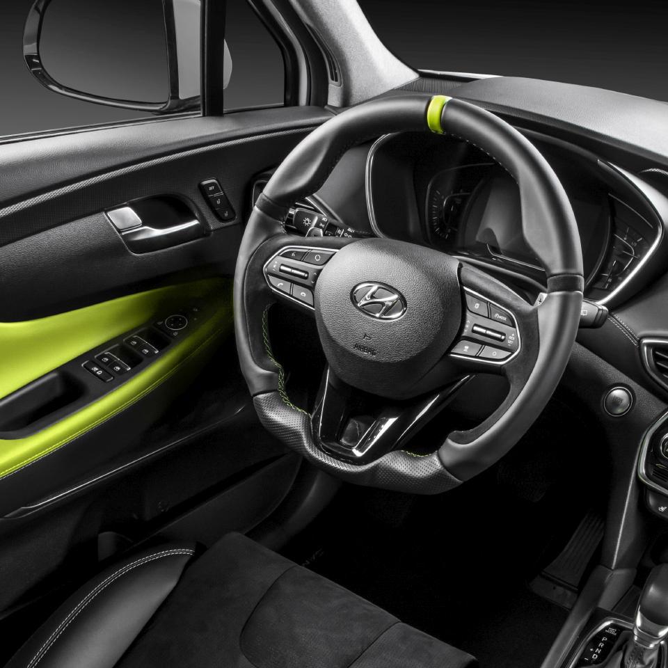 Hyundai-Santa-Fe-by-Carlex-Design-22