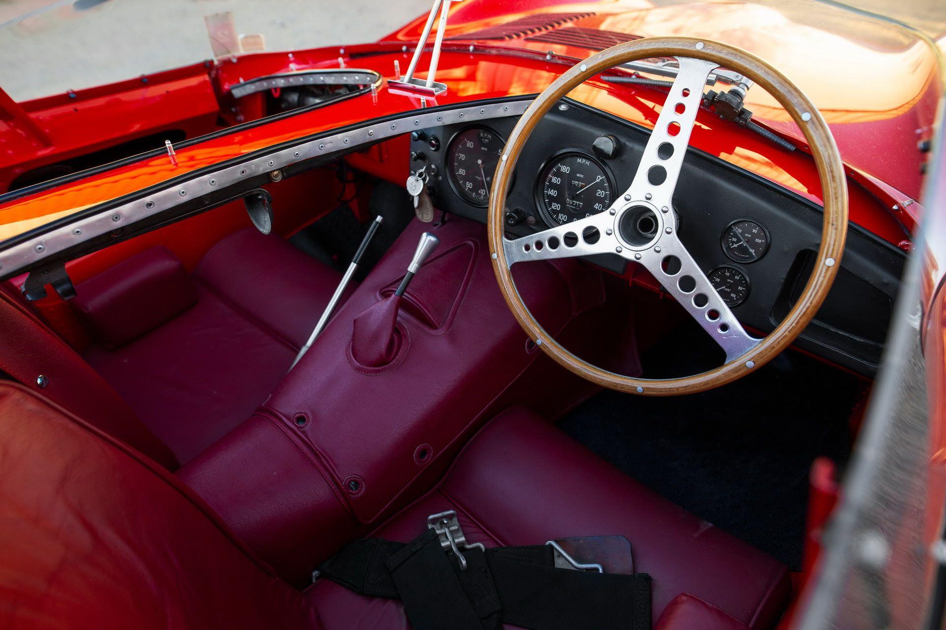 Jaguar-D-Type-1955-auction-27