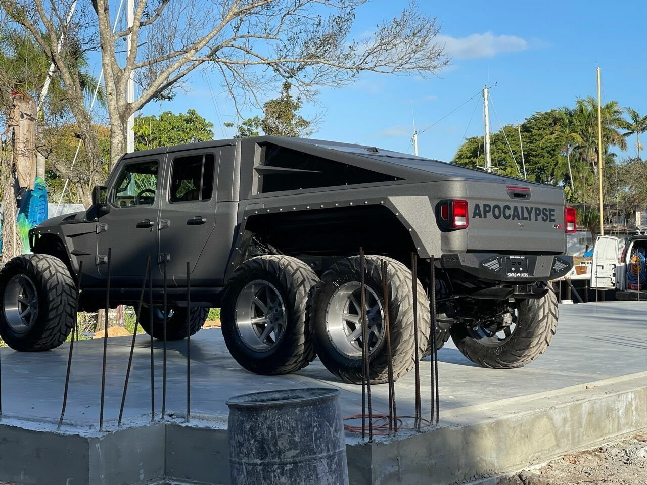 Jeep-Apocalypse-Hellfire-6x6-5