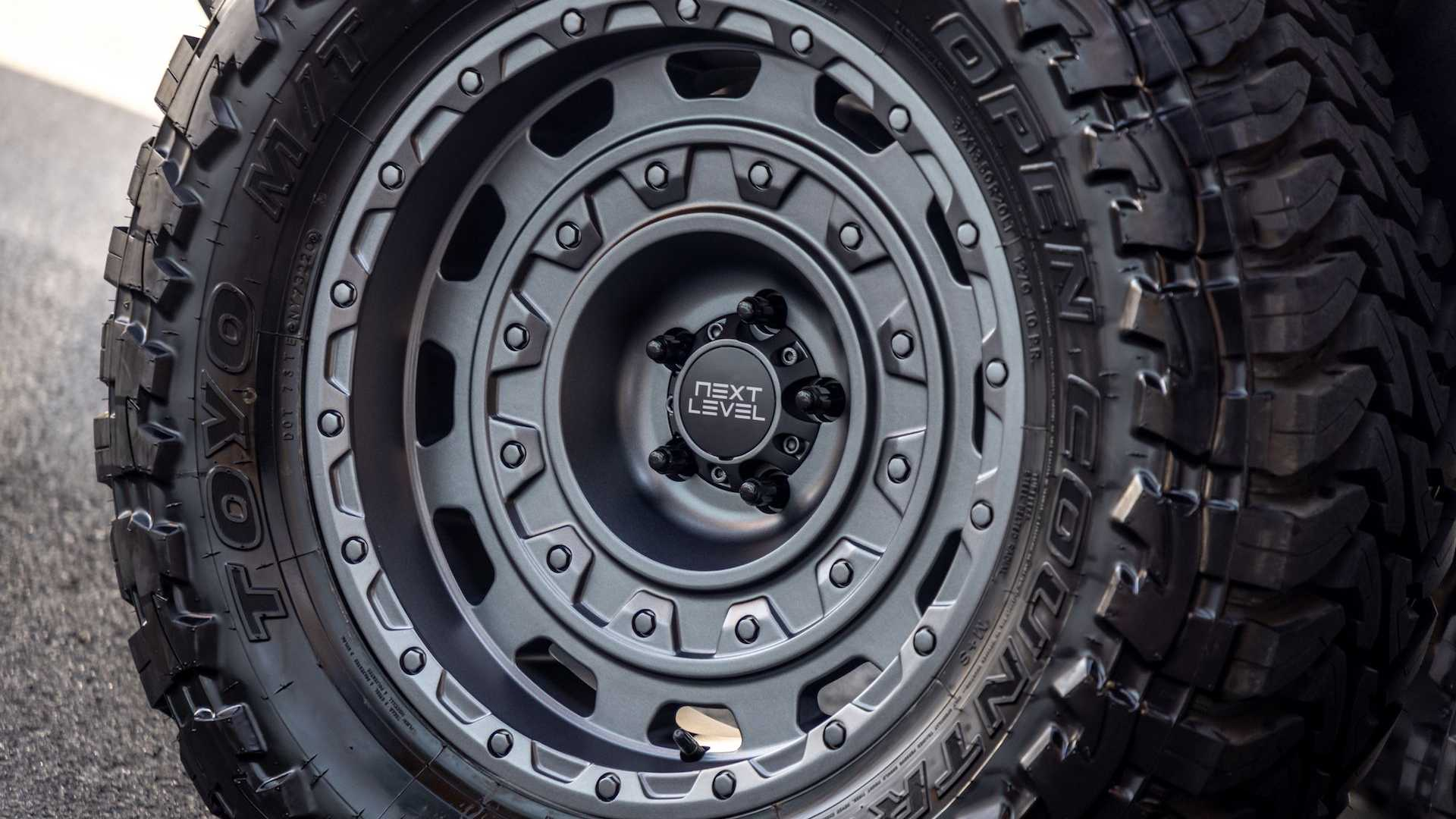 Jeep-Gladiator-6x6-by-Next-Level-32