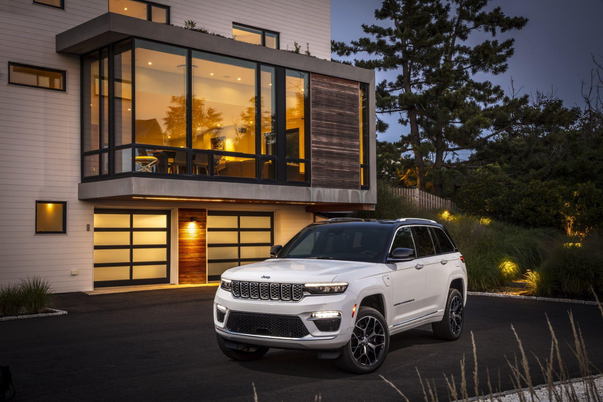 Jeep-Grand-Cherokee-2022-11