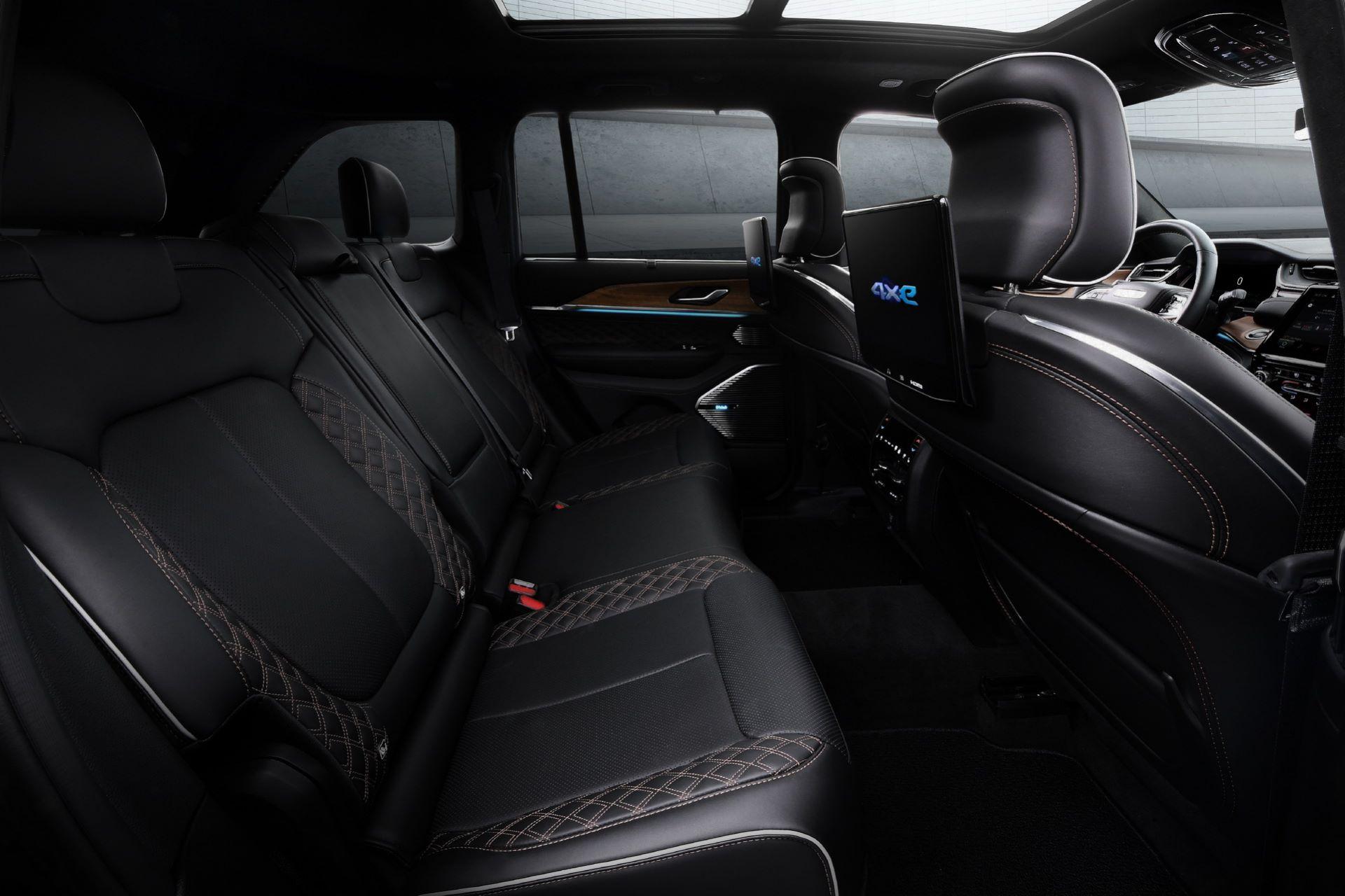 Jeep-Grand-Cherokee-2022-128