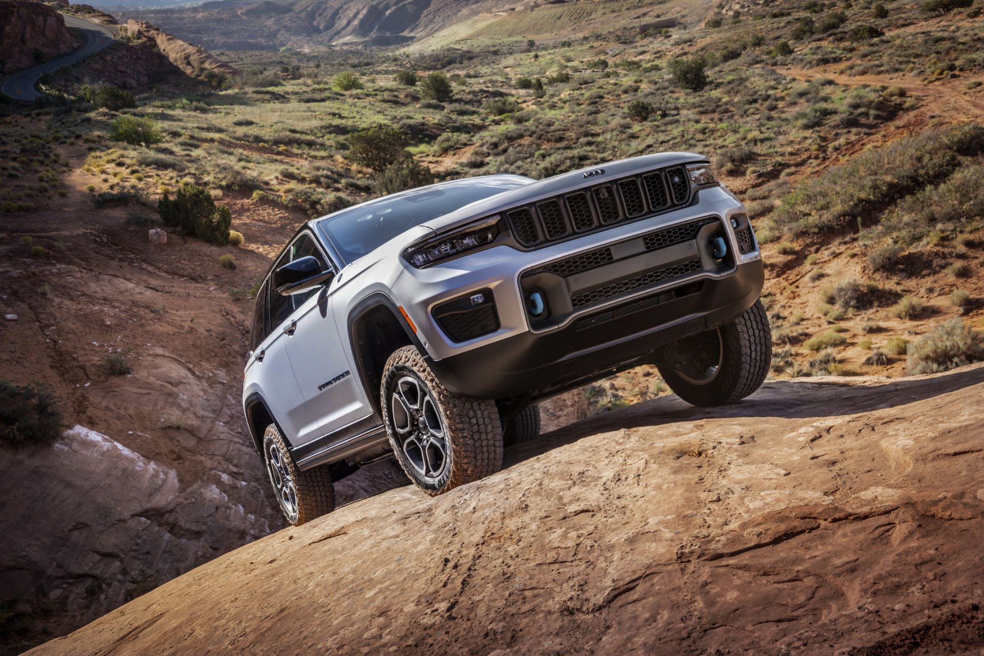 Jeep-Grand-Cherokee-2022-13