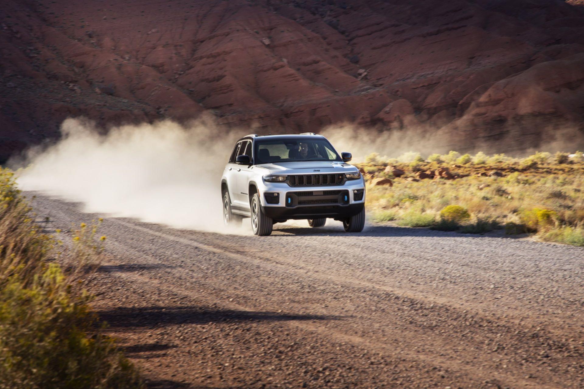 Jeep-Grand-Cherokee-2022-15