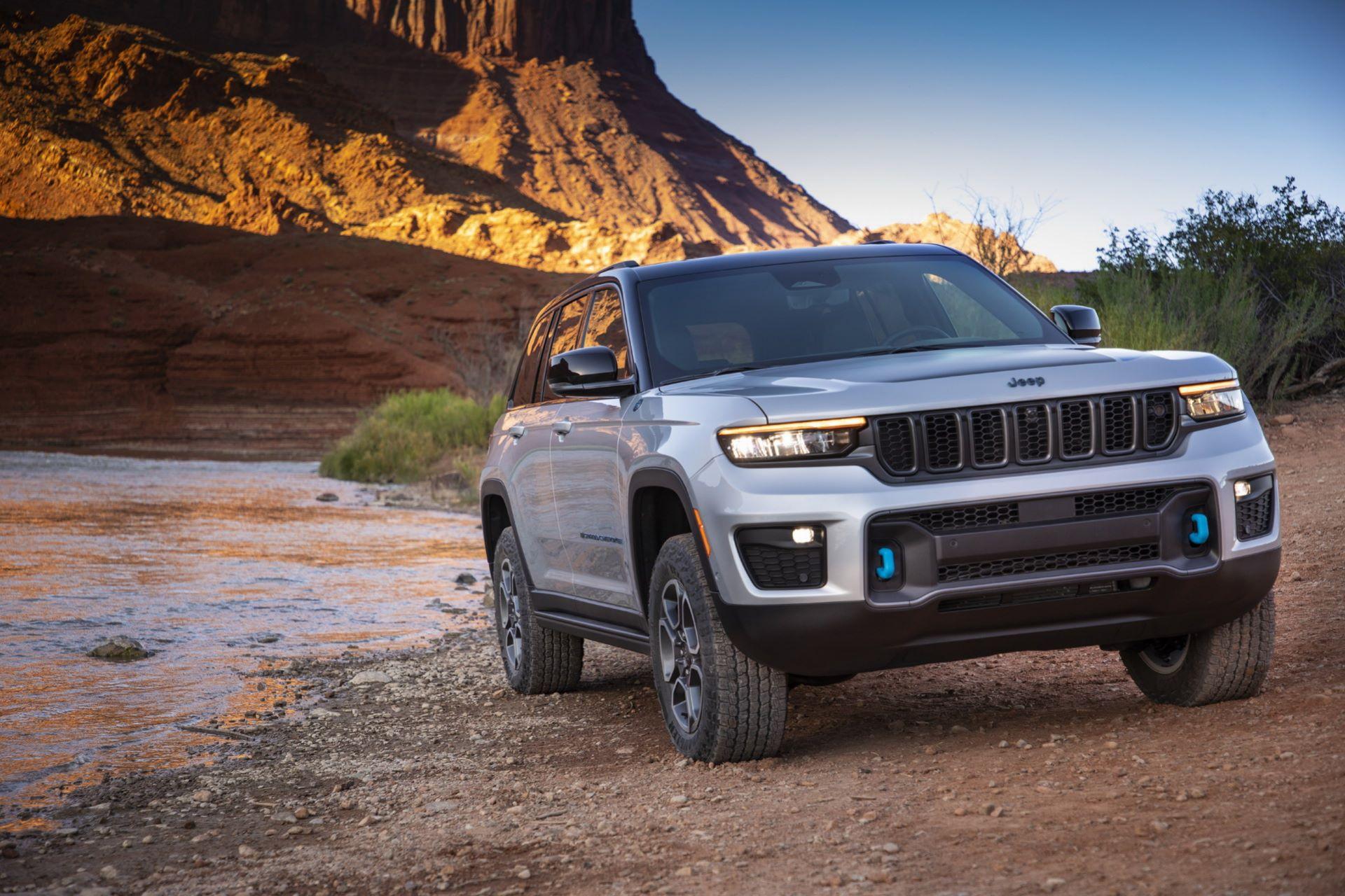 Jeep-Grand-Cherokee-2022-17
