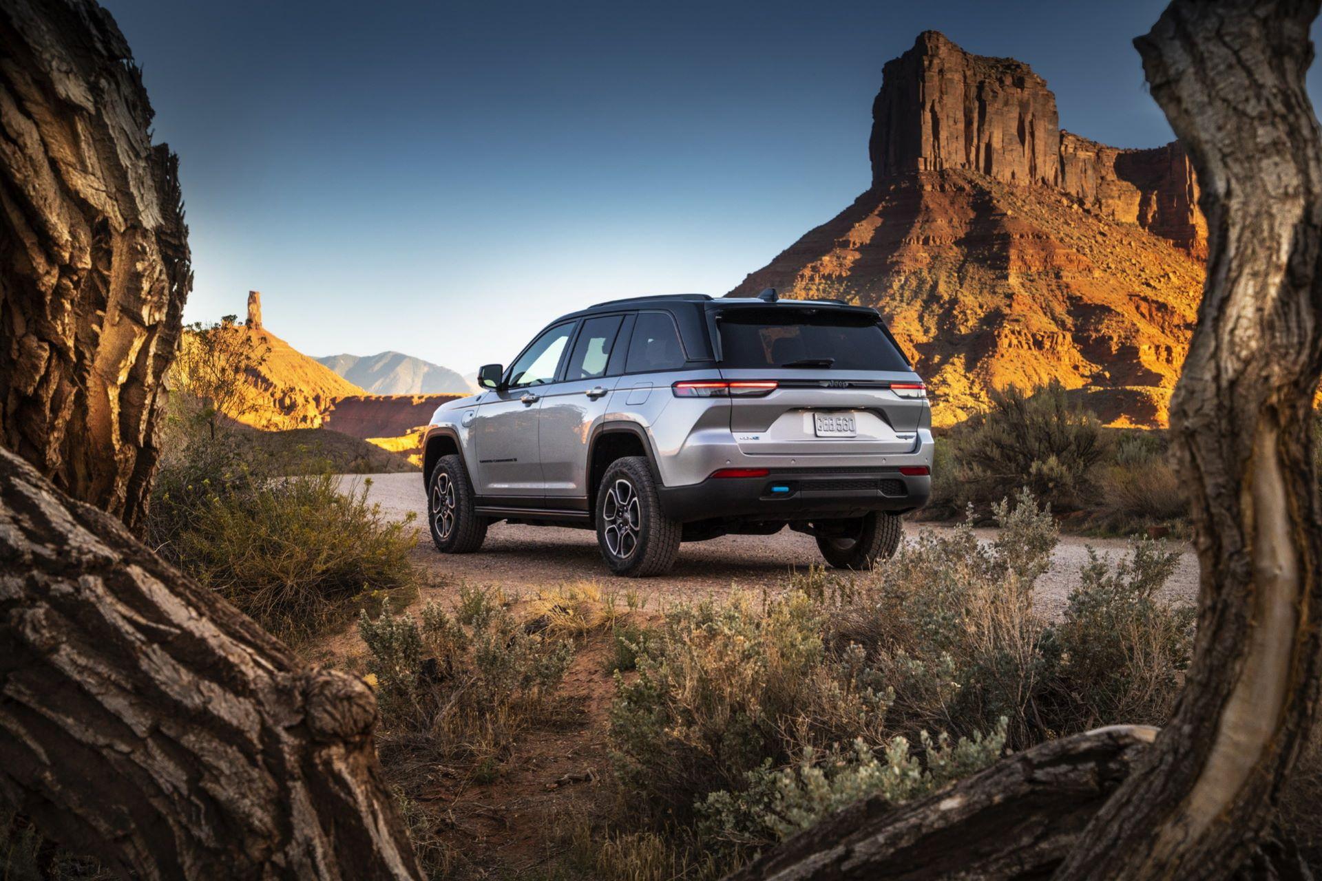 Jeep-Grand-Cherokee-2022-18