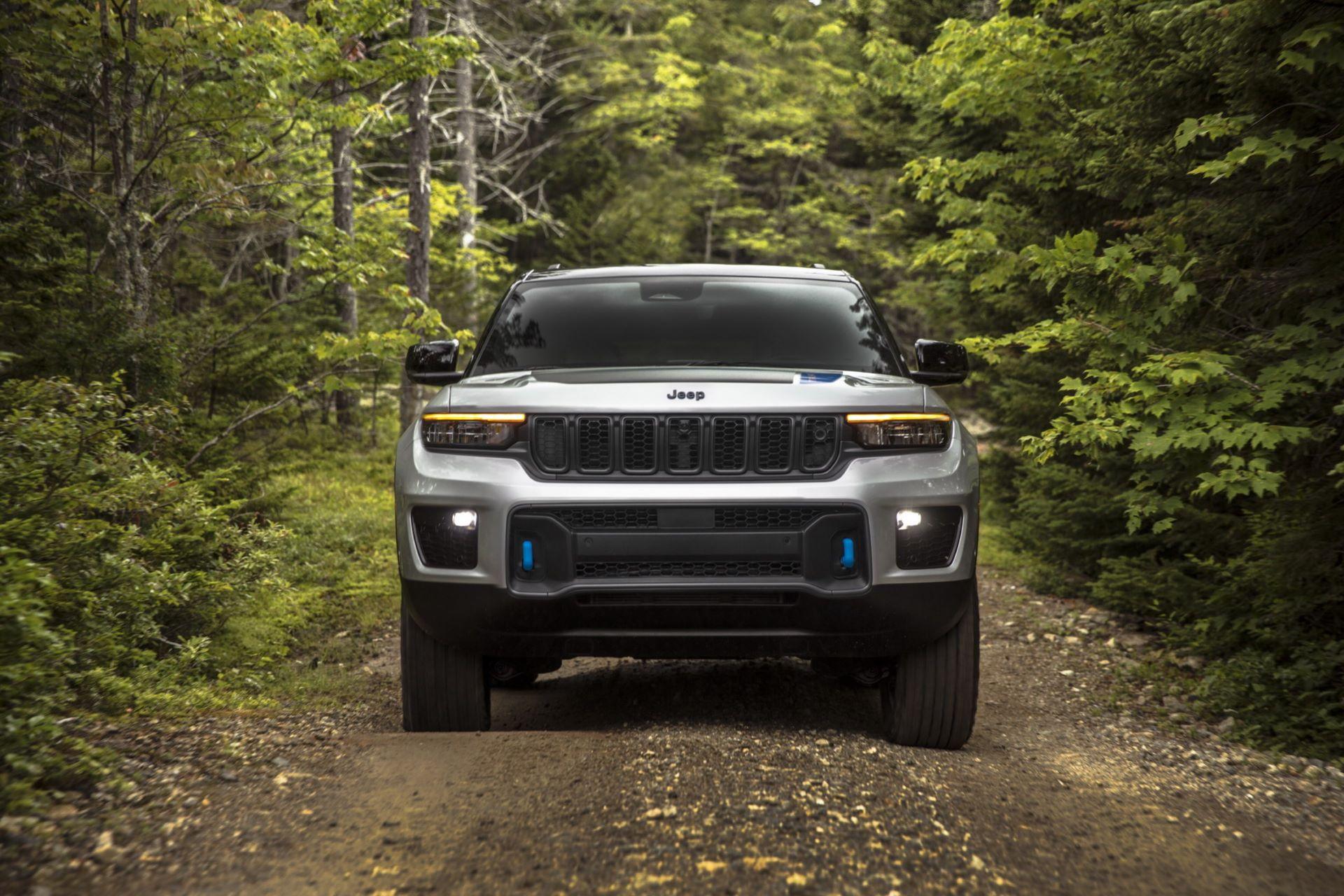 Jeep-Grand-Cherokee-2022-29