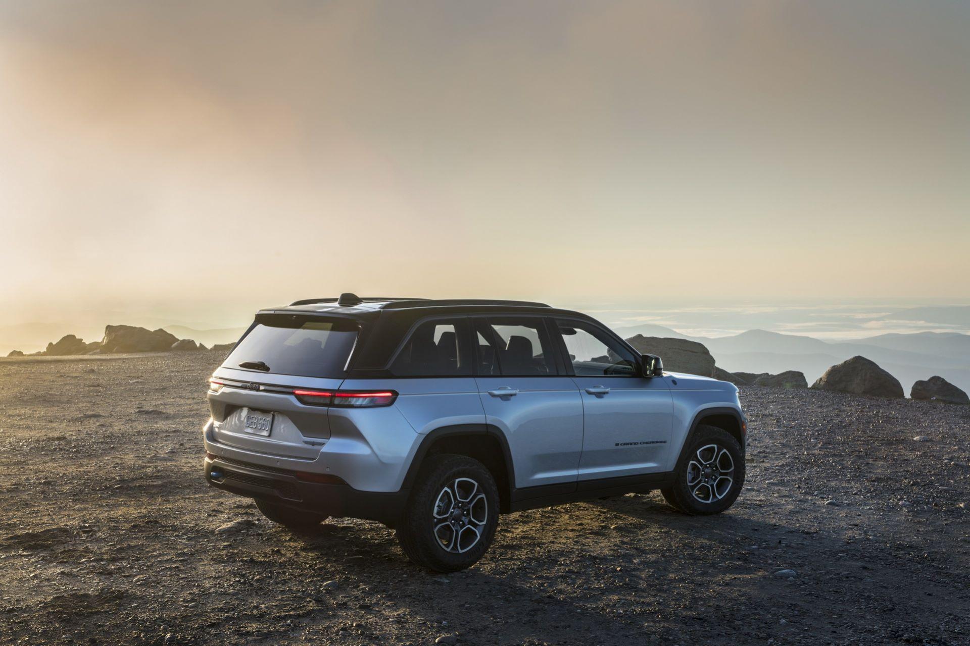 Jeep-Grand-Cherokee-2022-31